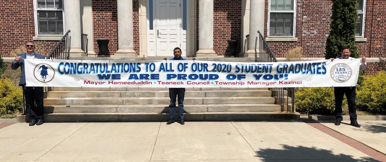 Town Celebrates Graduates